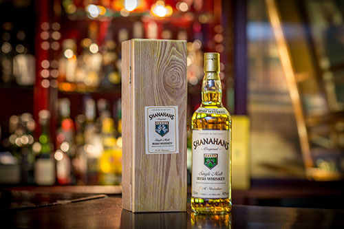 shanahans-whiskey-bottle-and-box