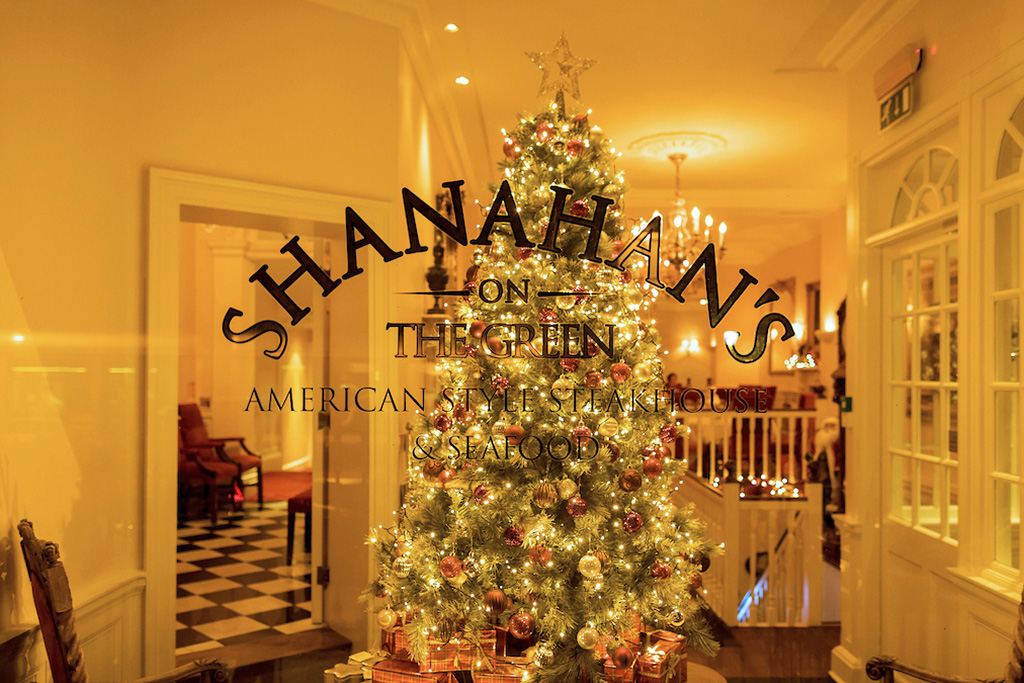 shanahans-on-the-green-at-christmas